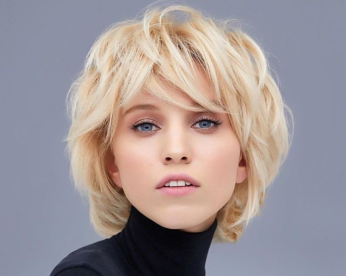 blonde-medium-shag-cut