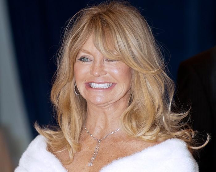 Goldie-Hawn-Long-hair-curtain-bangs