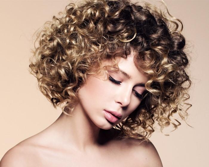curly-shag-bobcut